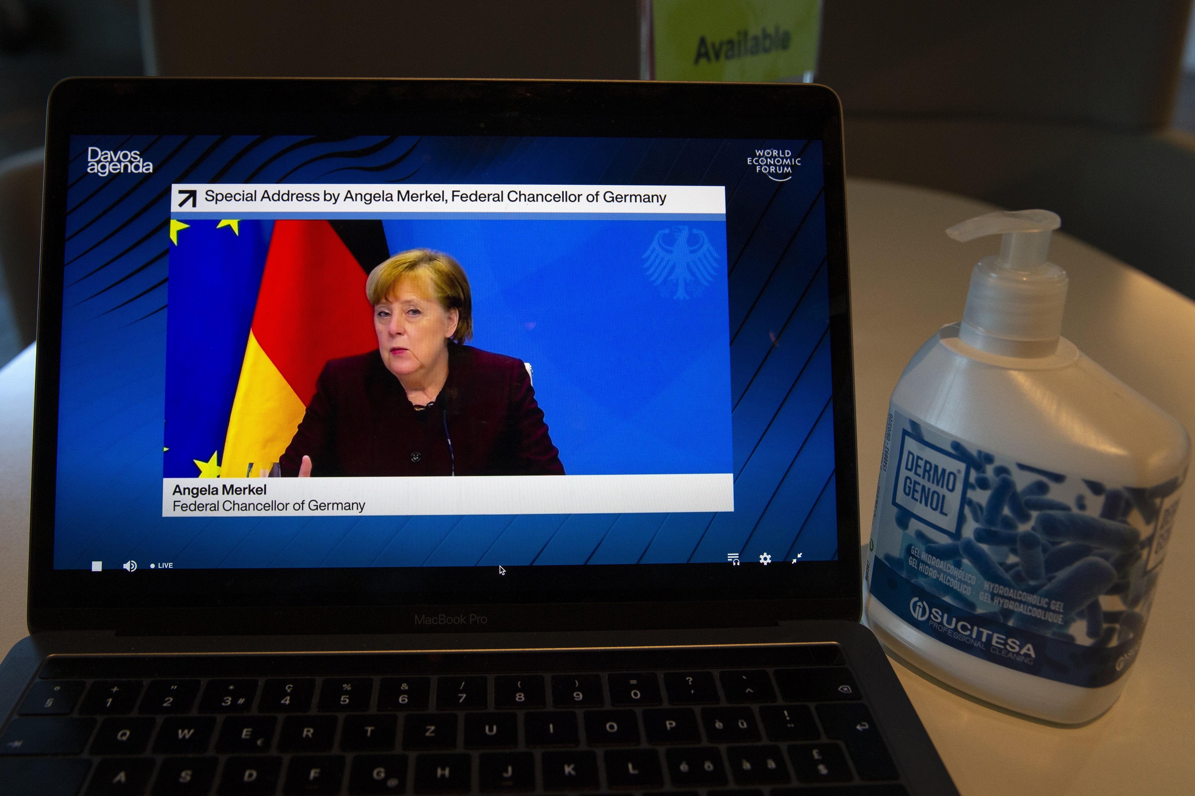 La canciller Angela Merkel por videoconferencia.