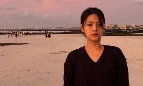 La actriz Song Yoo Jung, en una imagen compartida en su Instagram.