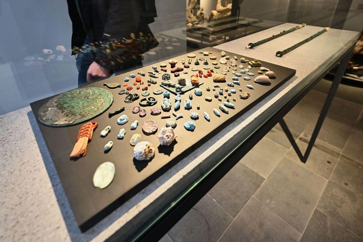 Nuevos amuletos mostrados en el museo de Antiquarium.