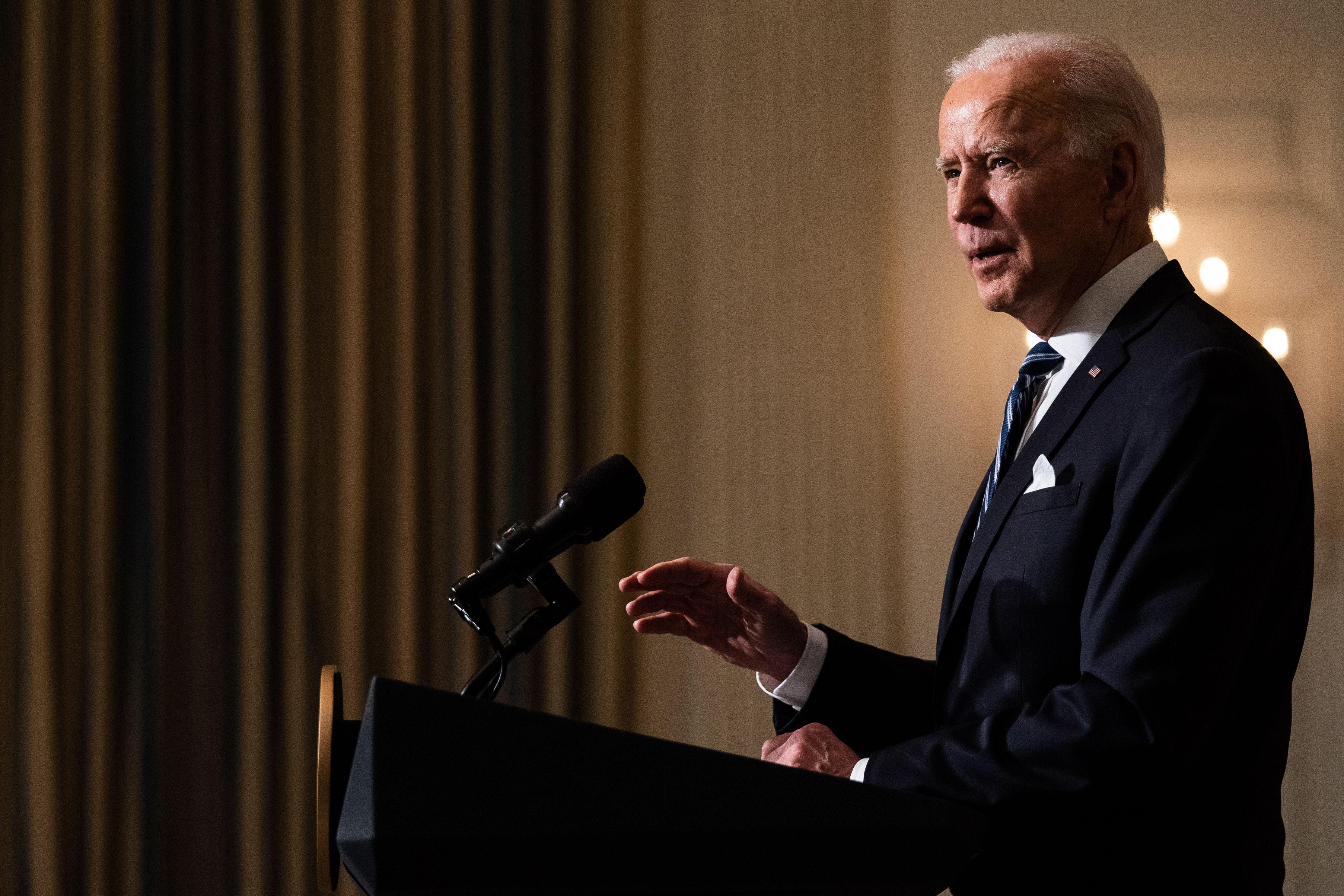 """Biden afronta el cambio climático como """"una amenaza existencial"""""""