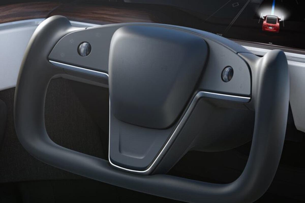 Escasos botones y un guiño a una futura conducción autónoma completa.