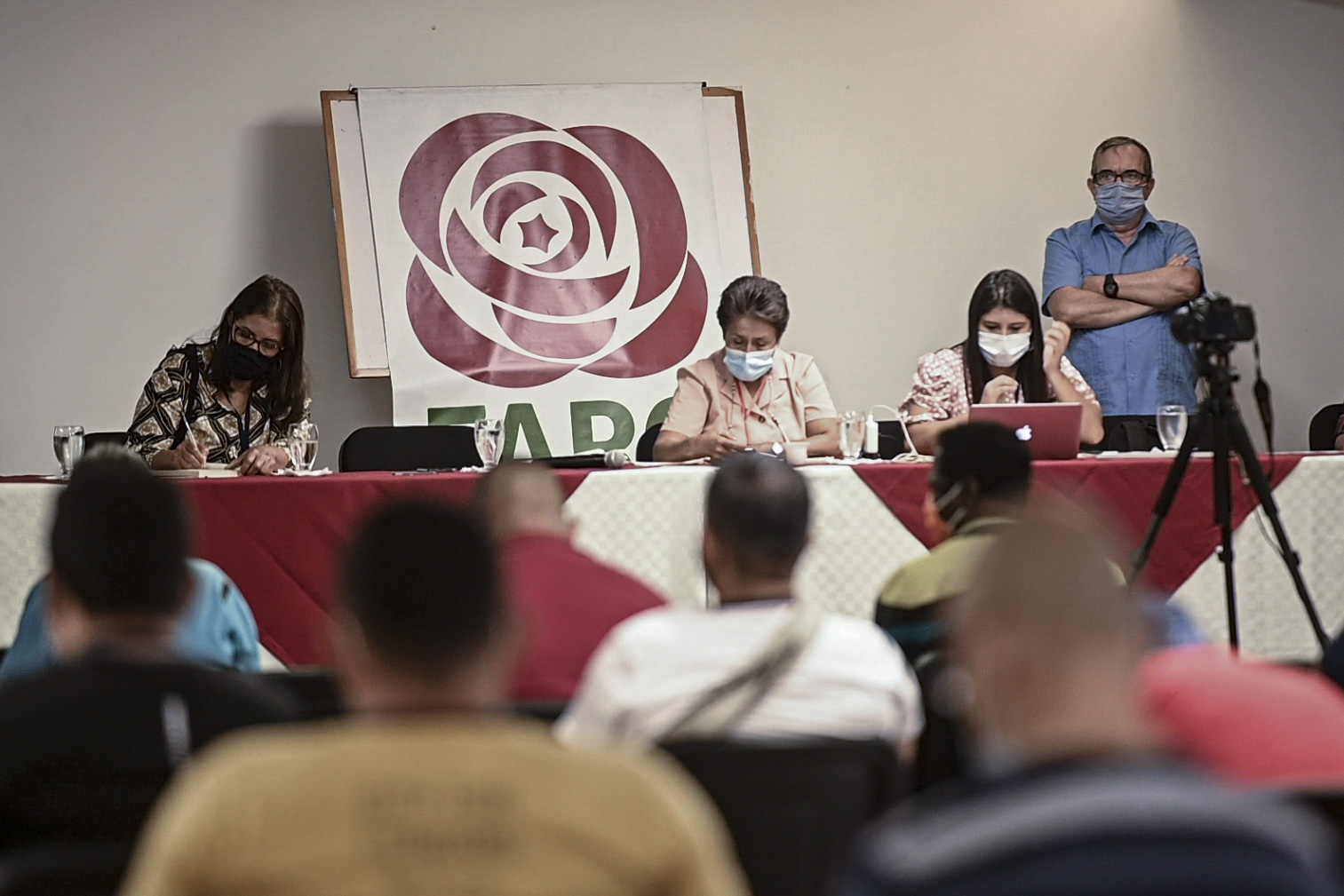 """""""Timochenko"""" en una asamblea del partido de las FARC"""