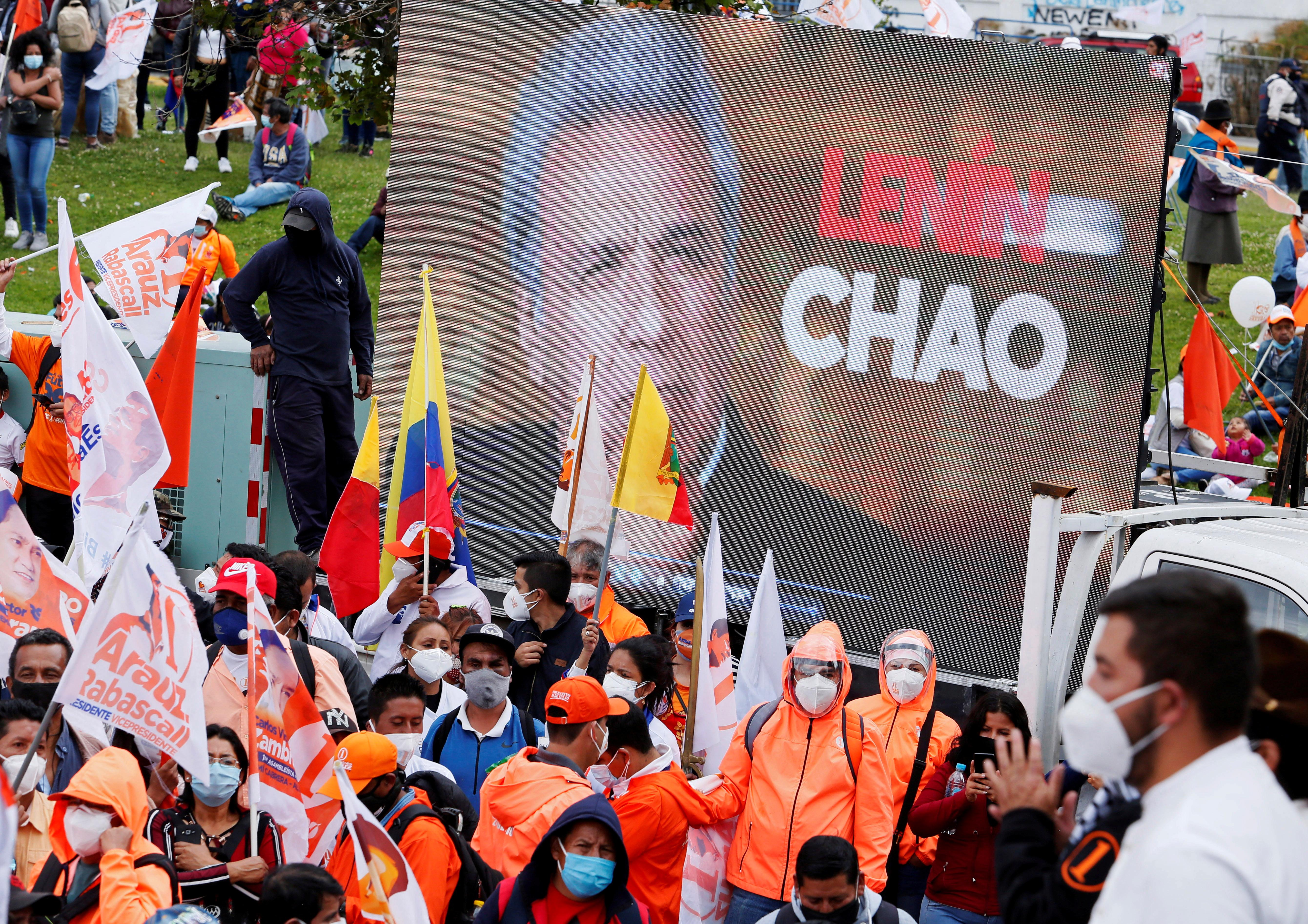 پیروان نامزد آندرس آراوز.