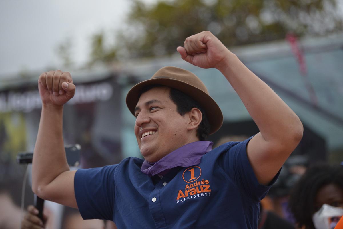 El candidato de Correa, Andrés Arauz, durante un mitin, en Quito.
