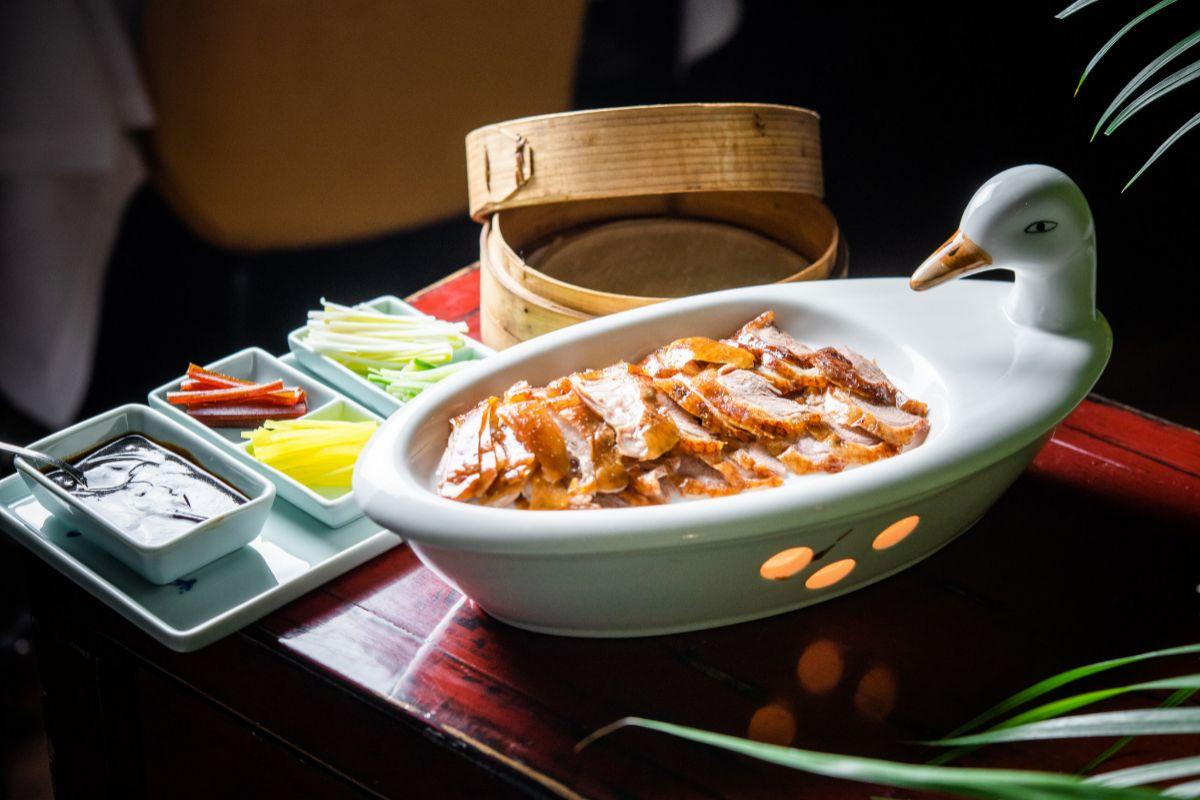 Pato laqueado estilo Pekín de Hutong.