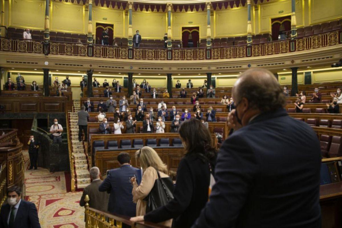"""Casi 150 organizaciones cívicas reclaman a los senadores que voten """"en conciencia"""" y rechacen la Ley de la Eutanasia"""