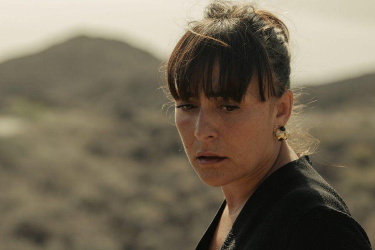 Candela Peña interpreta a una jueza en problemas en la serie 'Hierro'.