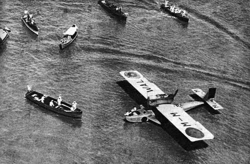 El 'Plus Ultra' tras amerizar en el Río de la Plata en 1926.