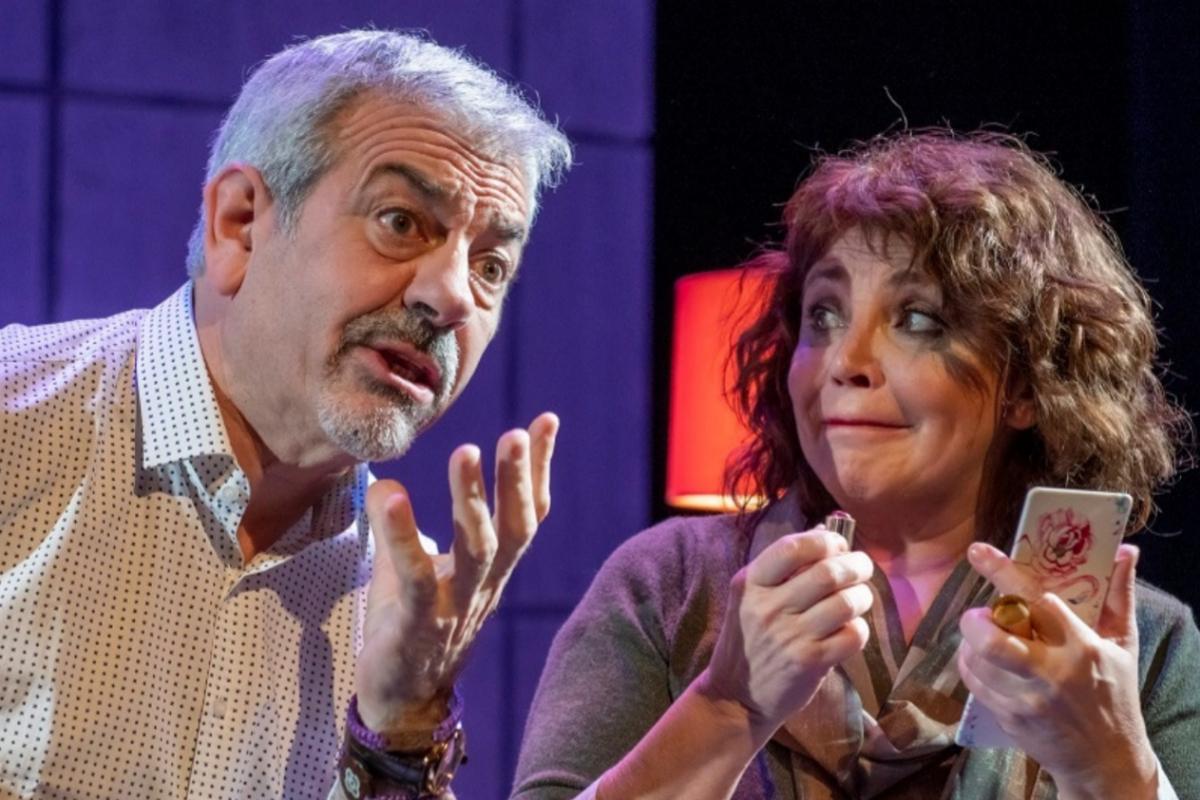 Carlos Sobera interpreta a Pepe y Neus Asensi a su esposa, Diana.