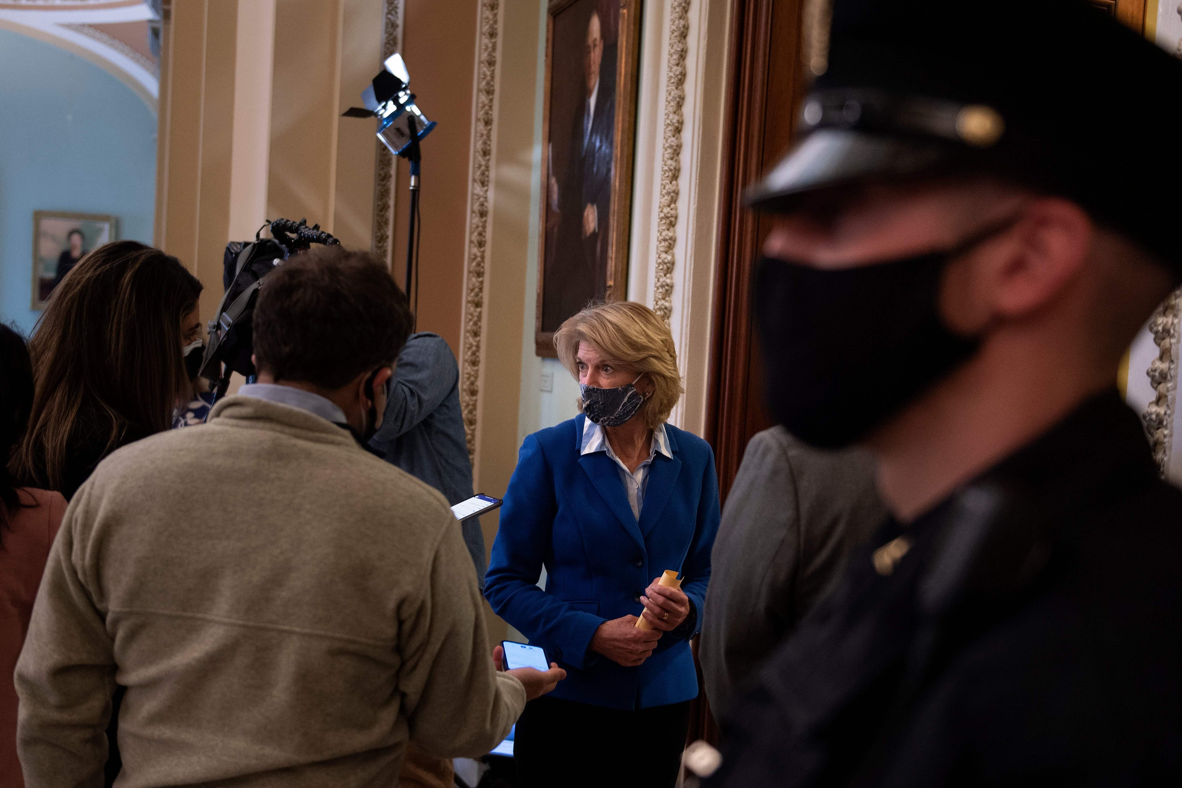 La senadora republicana Lisa Murkowski este viernes.