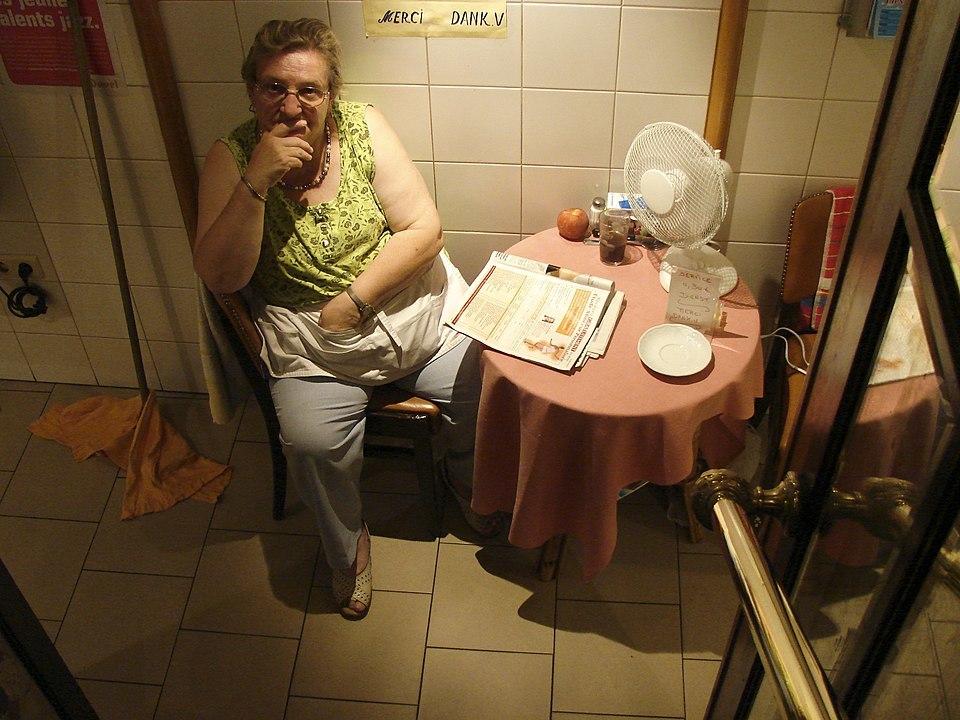 Una 'Madame Pipi' en Kapellen, Bélgica.