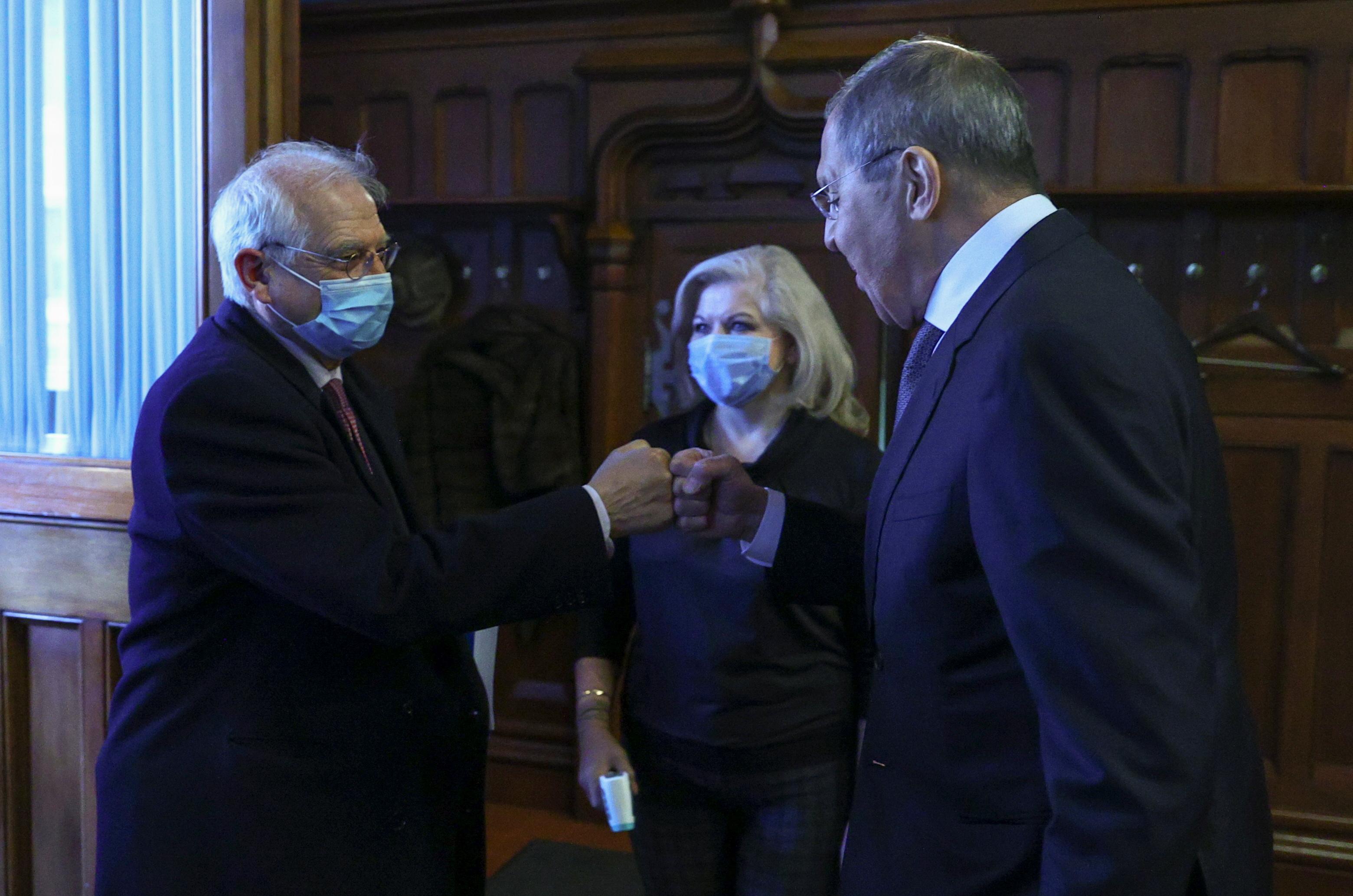 El Alto Representante Josep Borrell con el ministro de Aunstos Exteriores ruso, Sergei Lavrov.