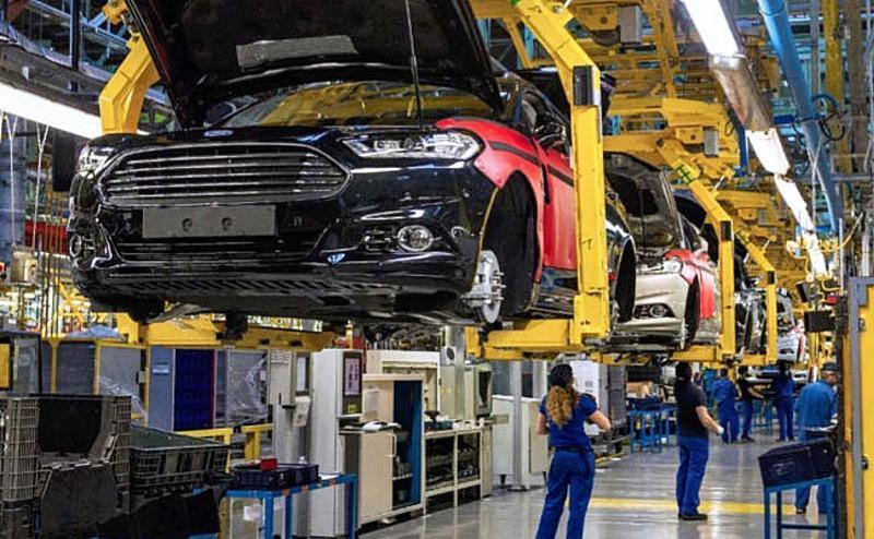 El desabastecimiento de chips frena producción y exportaciones de vehículos en verano