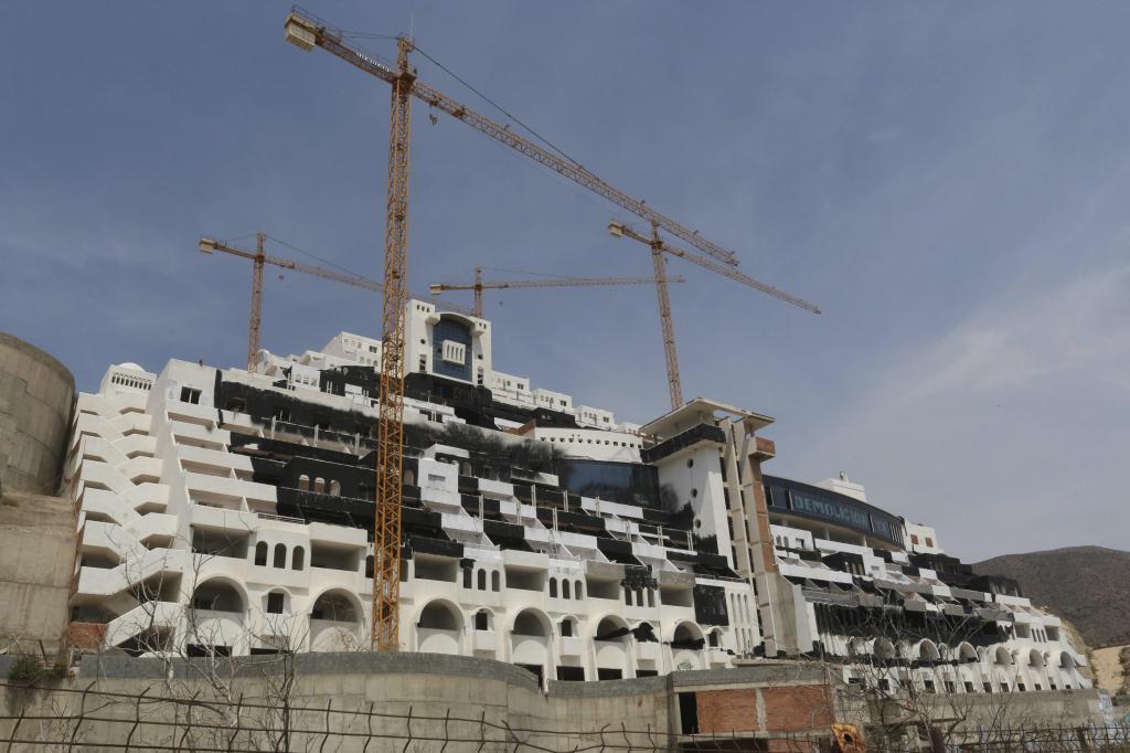 La Justicia rechaza la indemnización que reclama la promotora del hotel Algarrobico