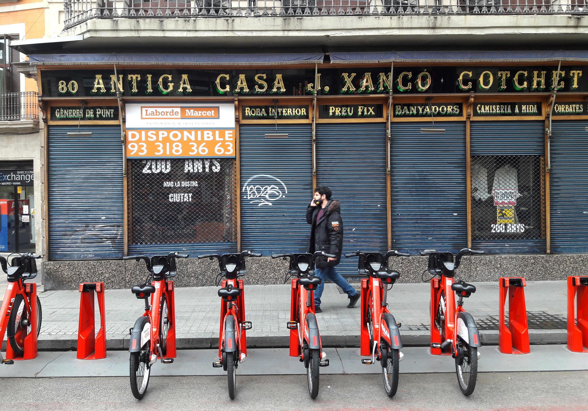 Negocios cerrados en Las Ramblas.