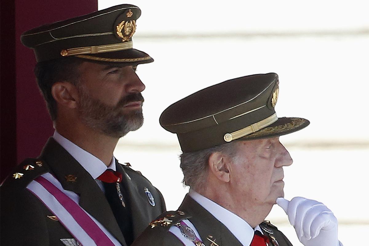 """Felipe VI y Pedro Sánchez aprovechan el 23-F para defender la """"plena"""" democracia española"""