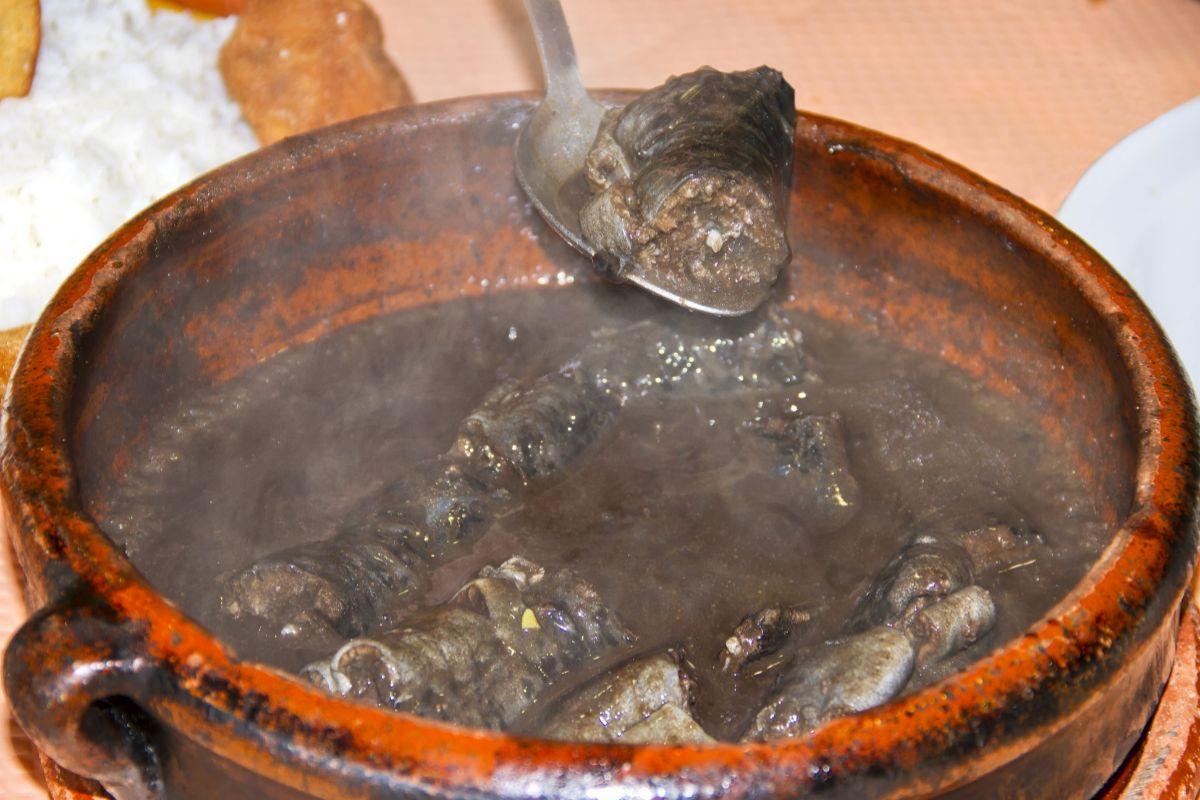 Preparación de una lamprea a la bordelesa.