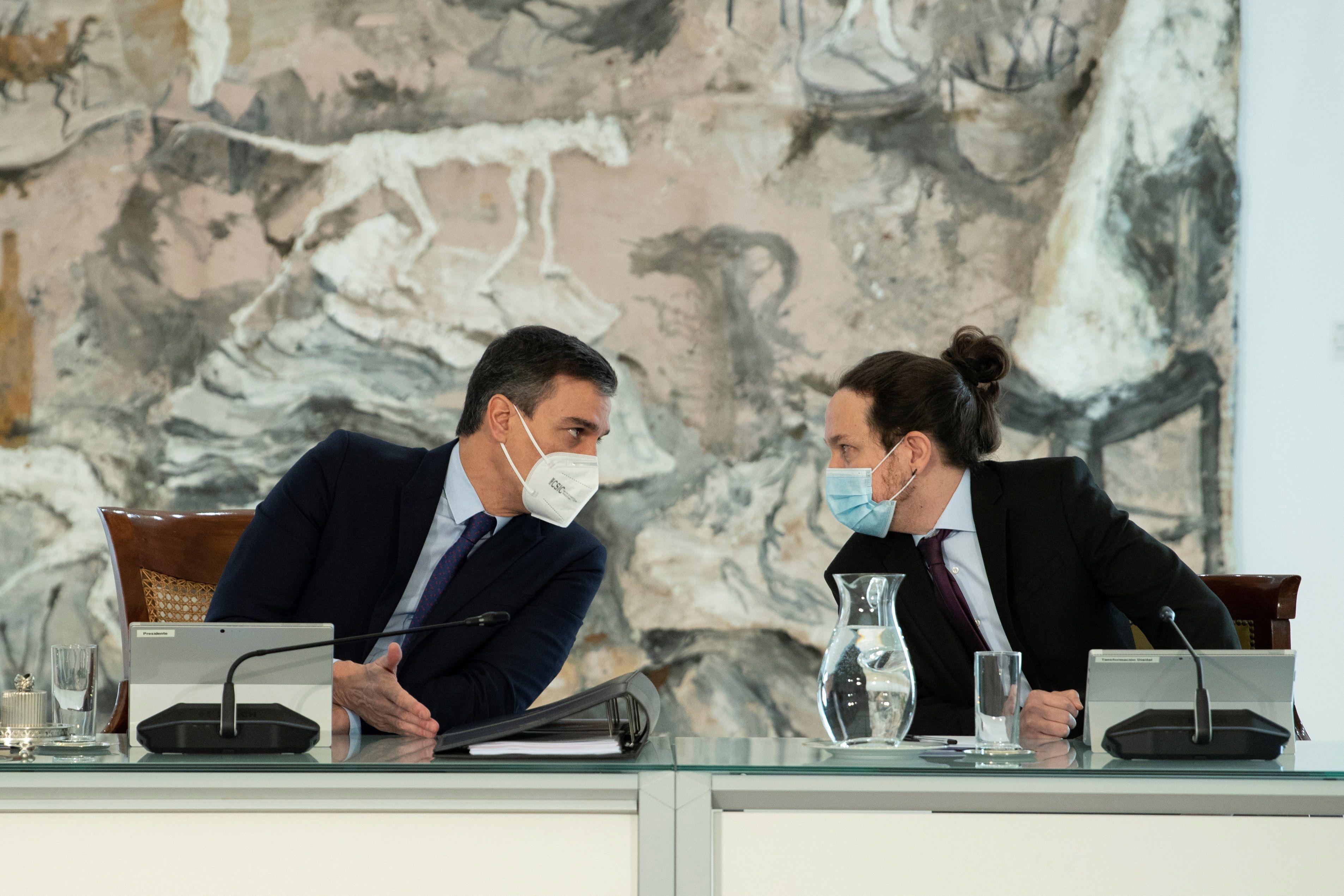 """Iglesias advierte a Ábalos de que está """"tensionando"""" la coalición con la Ley de Vivienda al incumplir acuerdos firmados por él y Pedro Sánchez"""
