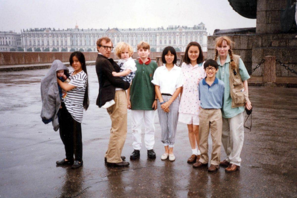 """Woody Allen responde al documental de Mia Farrow en HBO: """"Está plagado de falsedades"""""""