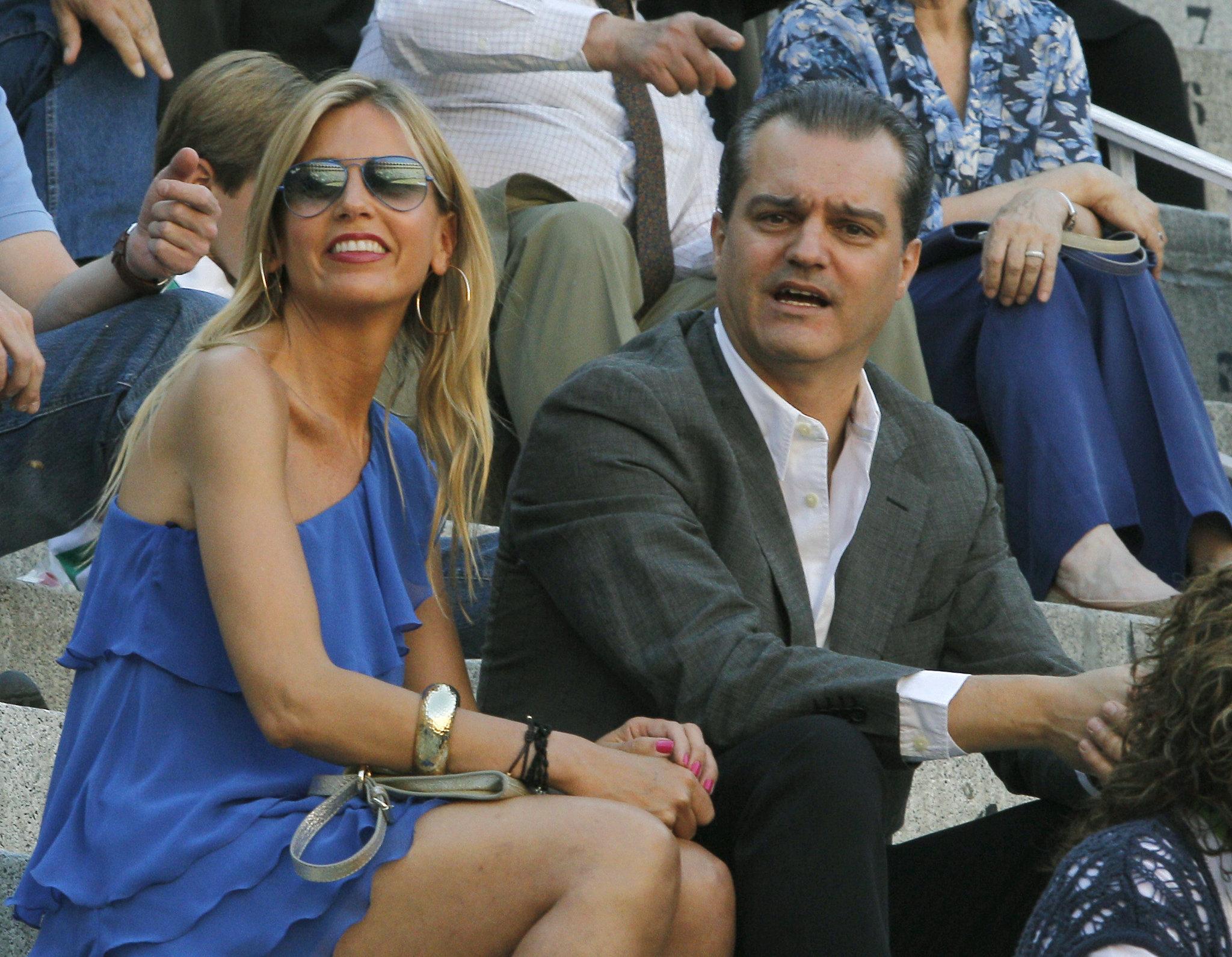 Con su mujer, Patricia, en Las Ventas.