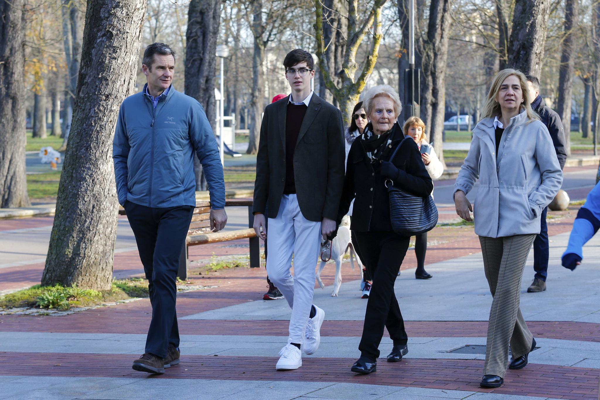 Iñaki Urdangarin, Infanta Cristina, Pablo Nicolás y Claire Liebaert en Vitoria