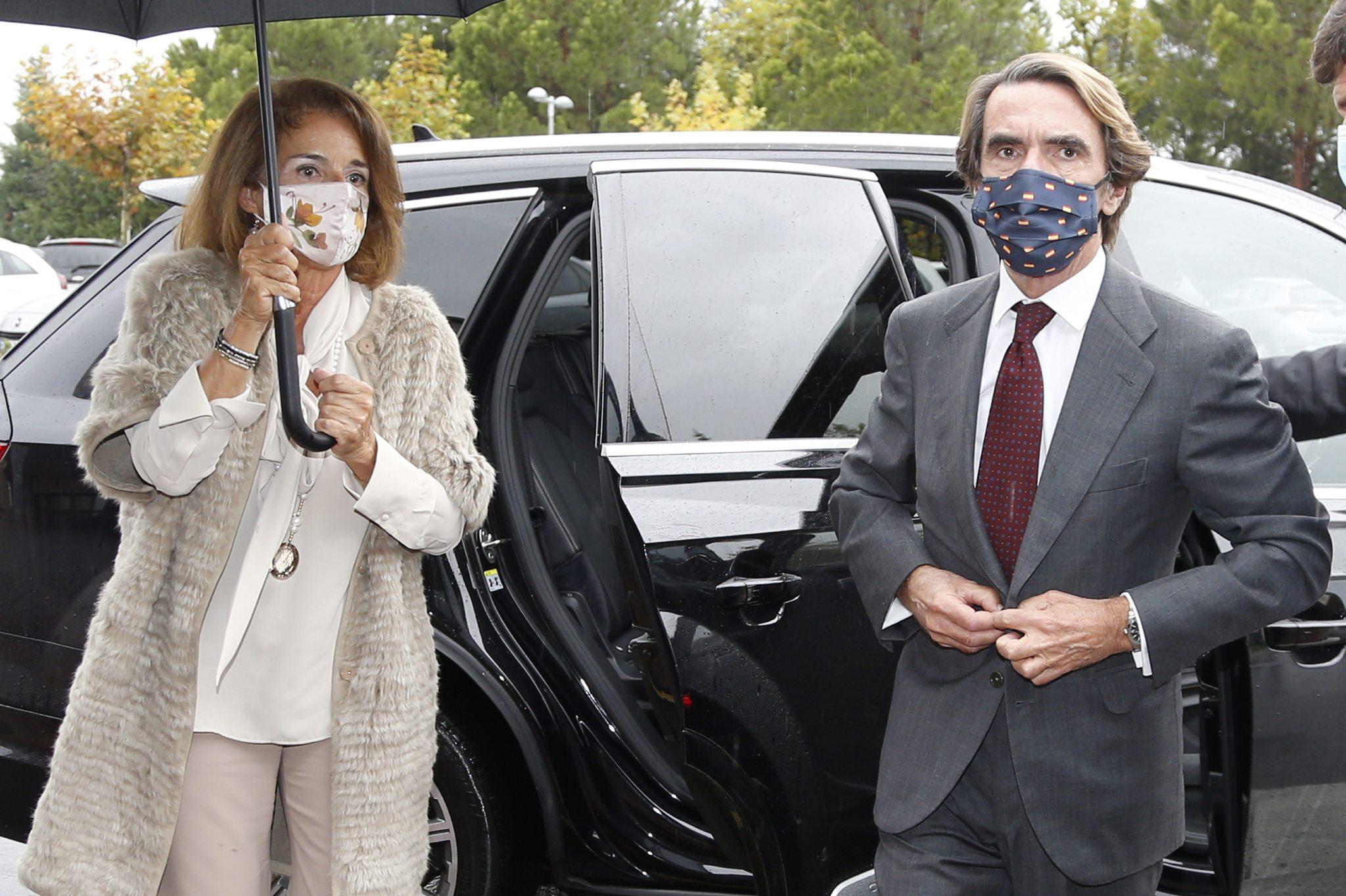 Ana Botella y José María Aznar en el funeral de Fernando Falcó, en octubre de 2020.