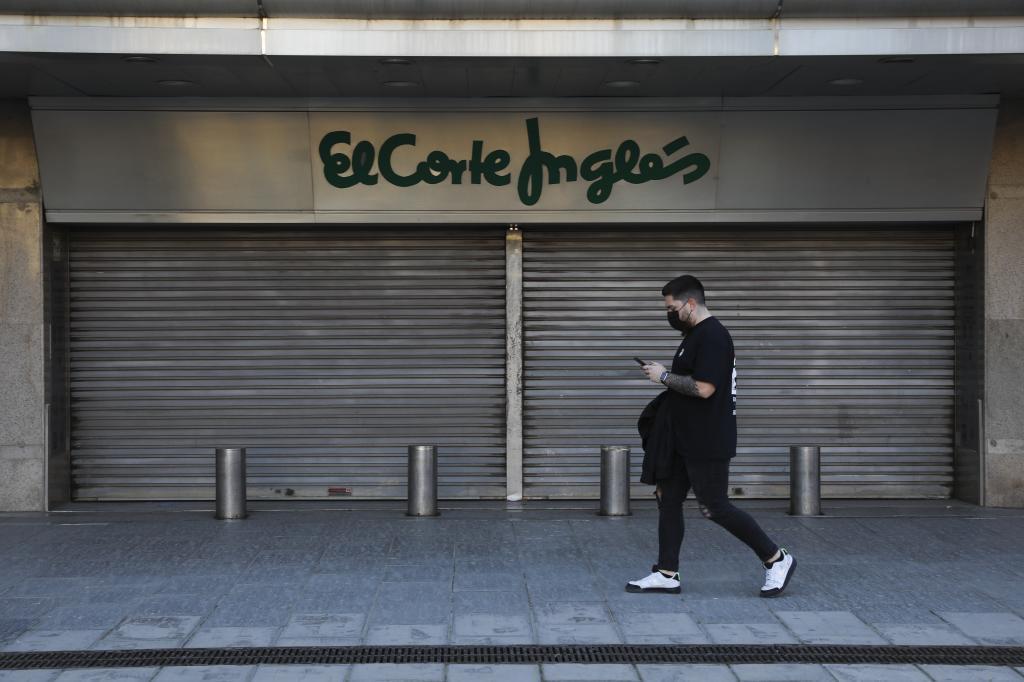 Despidos El Corte Inglés Alcanza Un Acuerdo Con Los Sindicatos Para La Salida Voluntaria De 3 292 Empleados Economía