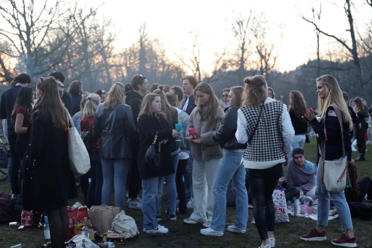Fiesta en un parque de Ámsterdam.