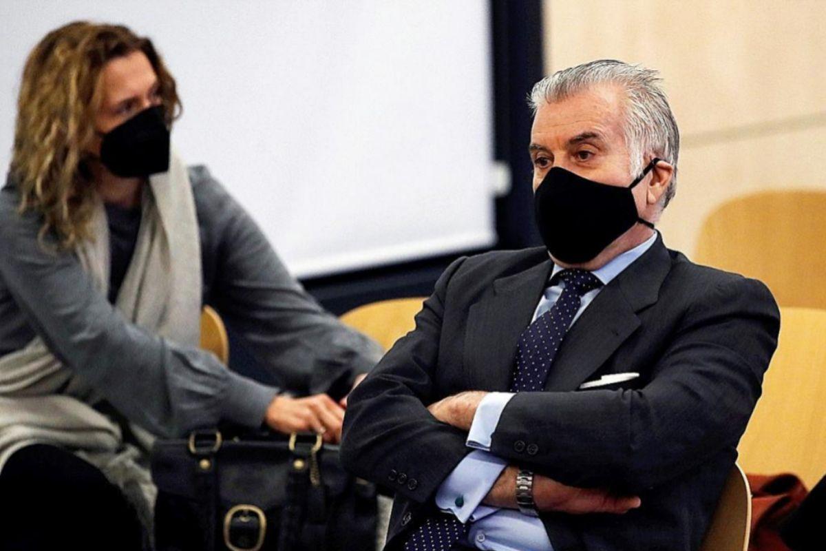 Los policías de 'Kitchen' confirman al juez que clonaron los móviles de Bárcenas sin orden judicial