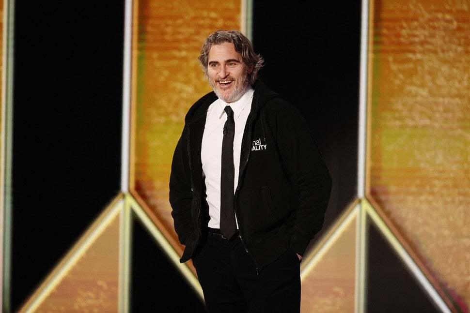¿Y si Joaquin Phoenix hubiera salvado los Globos de Oro?