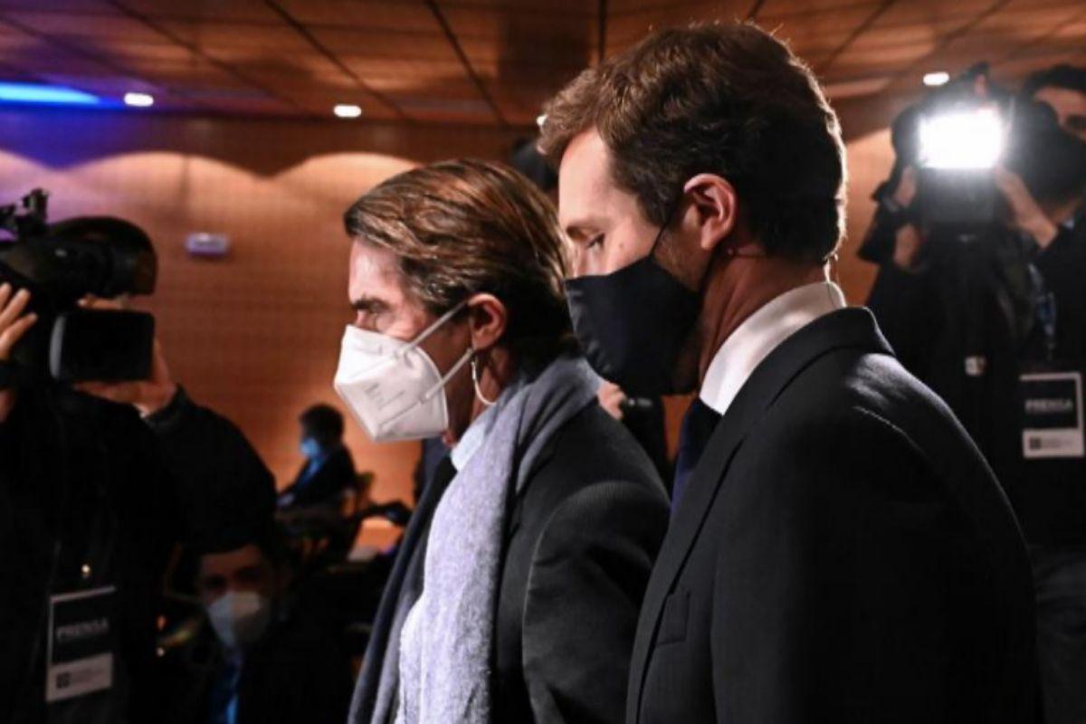 Aznar y Casado, a su llegada al acto en la Universidad Francisco de Vitoria.