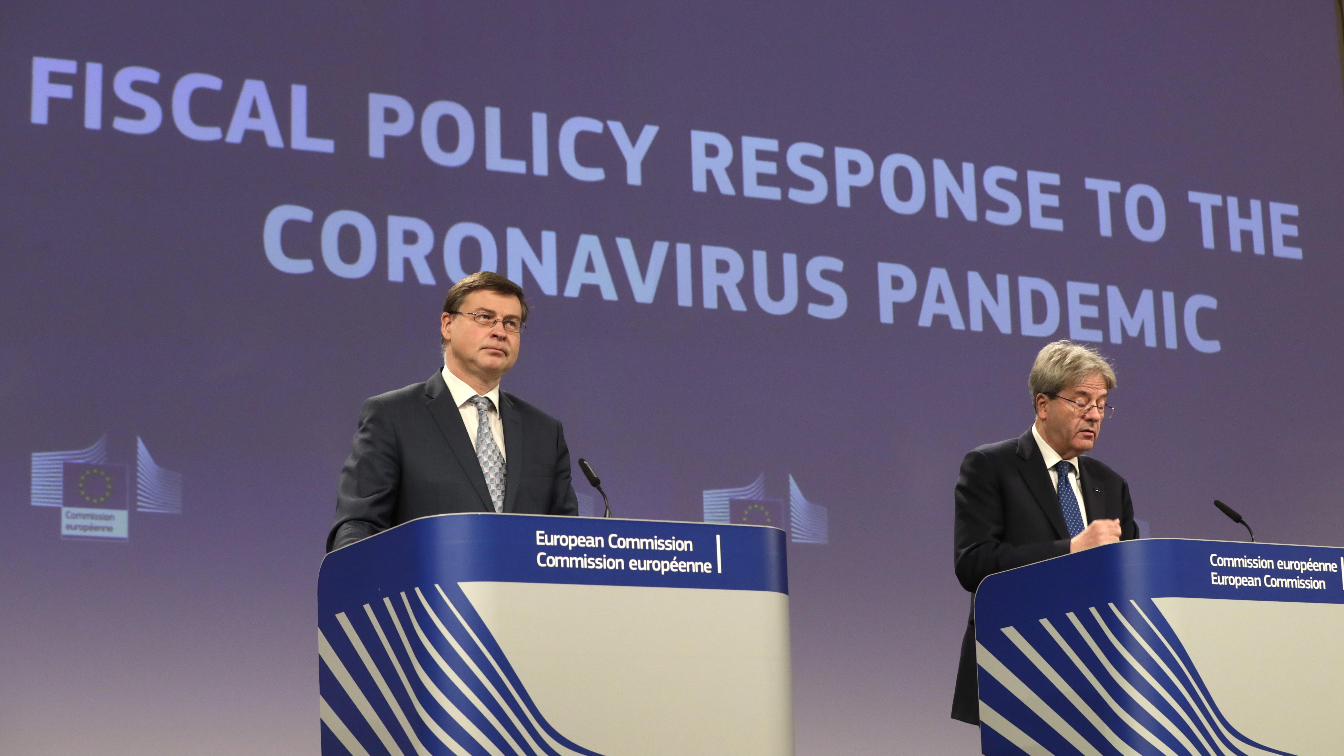 Valdis Dombrovskis y Paolo Gentiloni.