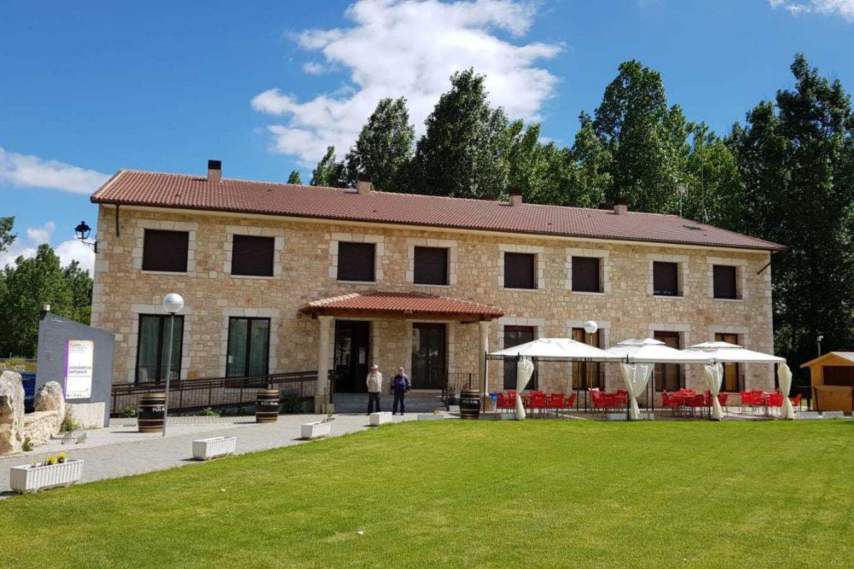 Hotel-restaurante El Mensario.