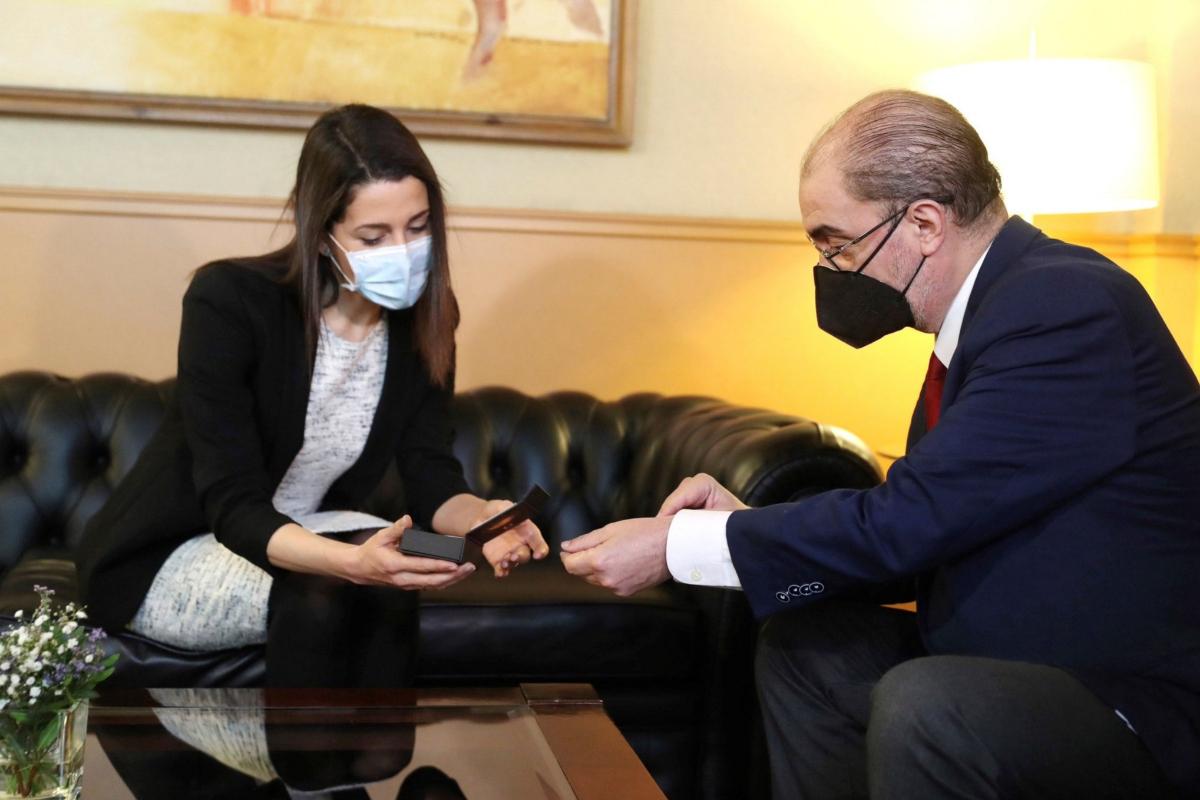 El presidente aragonés, Javier Lambán, y la presidenta de Cs, Inés Arrimadas, este jueves, en Zaragoza.