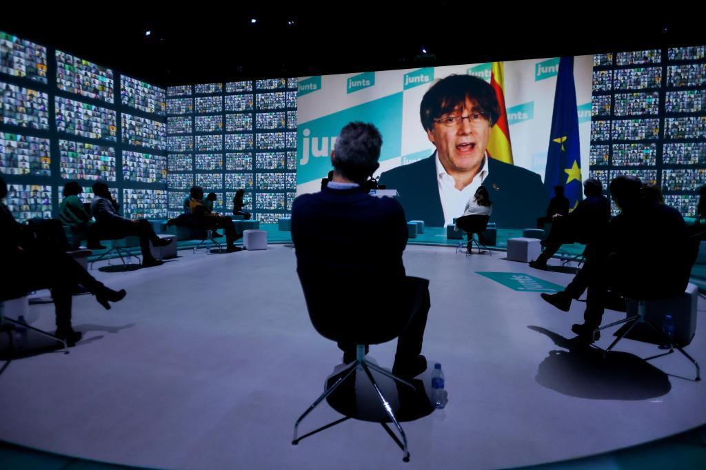 Puigdemont dice que seguirá en Bélgica si pierde la inmunidad y anuncia acciones legales contra el Parlamento Europeo
