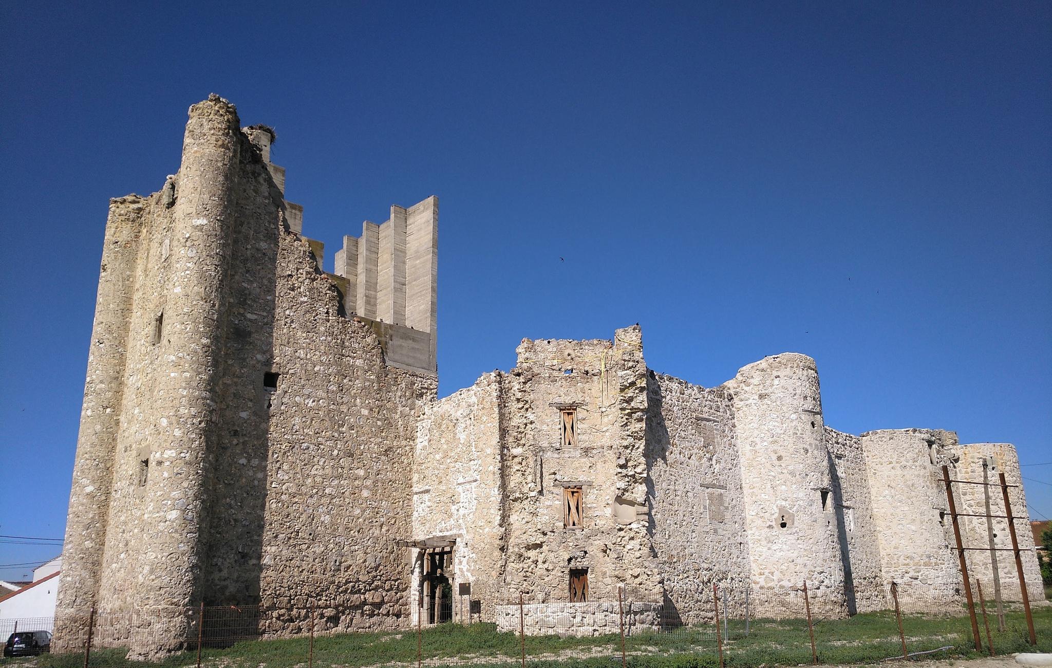 Castillo de Torrejón de Velasco.