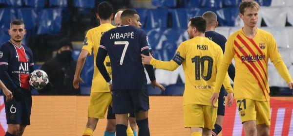 Messi y Mbappé, durante el partido del miércoles en París.