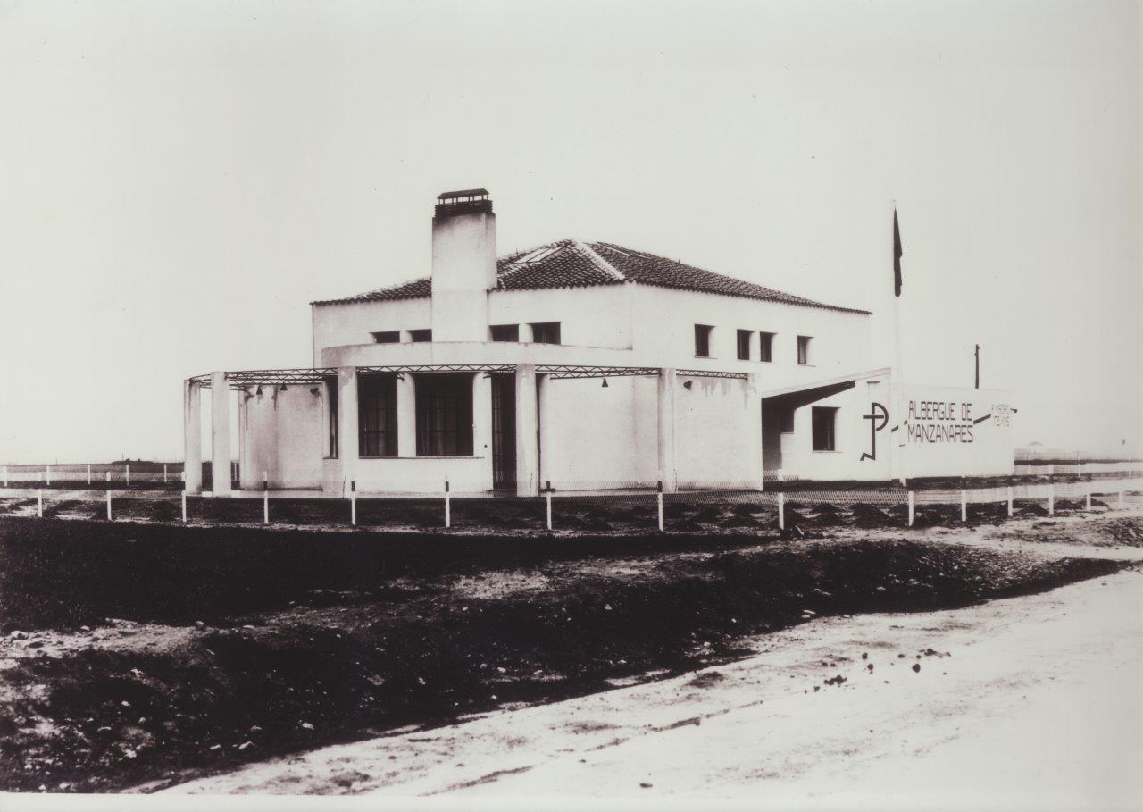 Fotografía antigua del albergue.