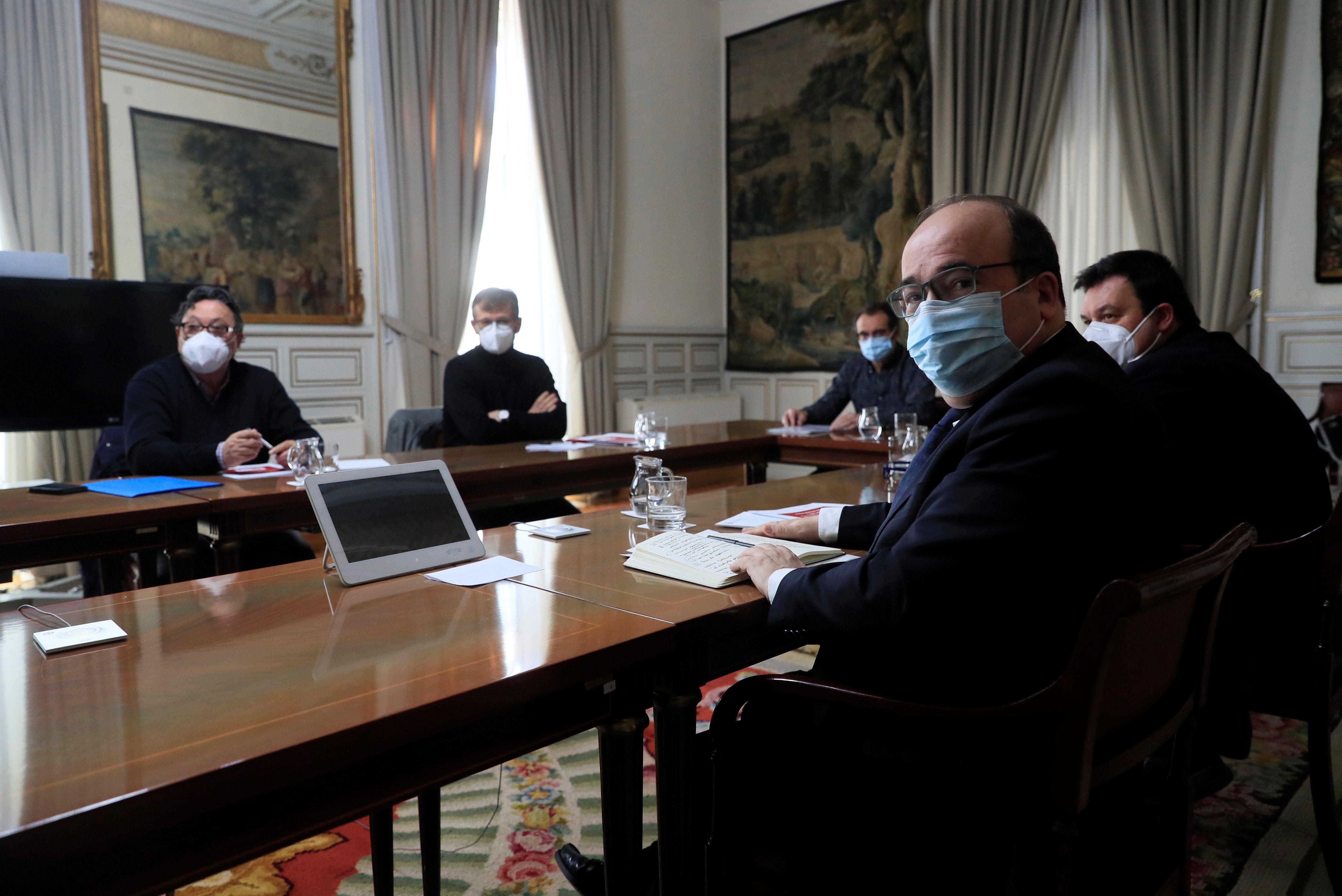 El ministro de Política Territorial y Función Pública, Miquel Iceta, durante su reunión con los sindicatos.