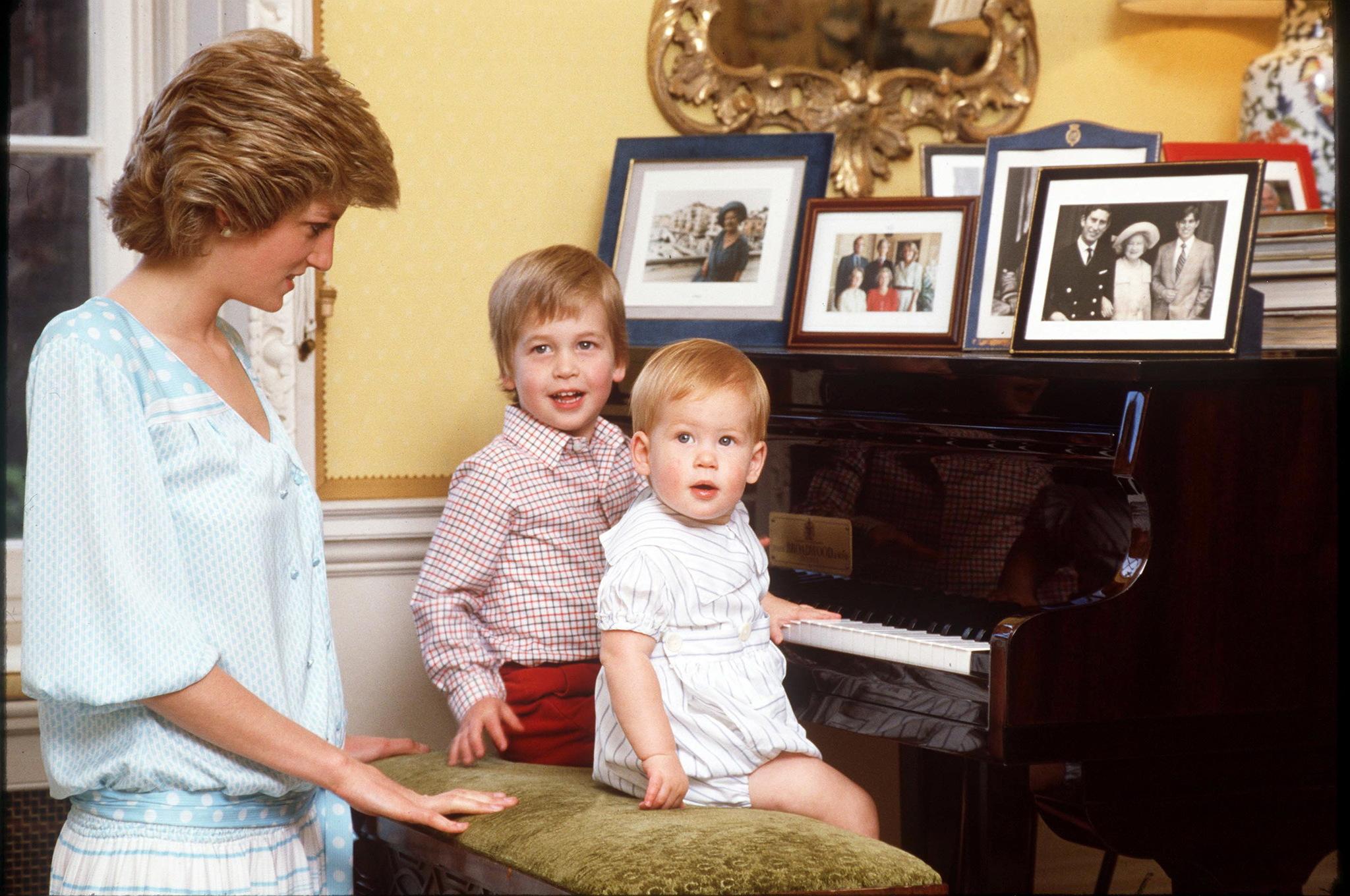Lady Di junto a sus hijos