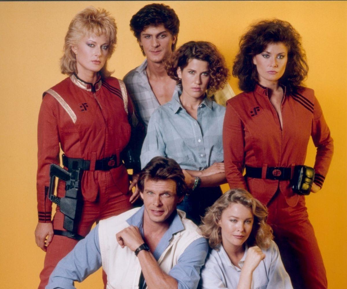 Los protagonistas de la última tanda de episodios de 'V'.