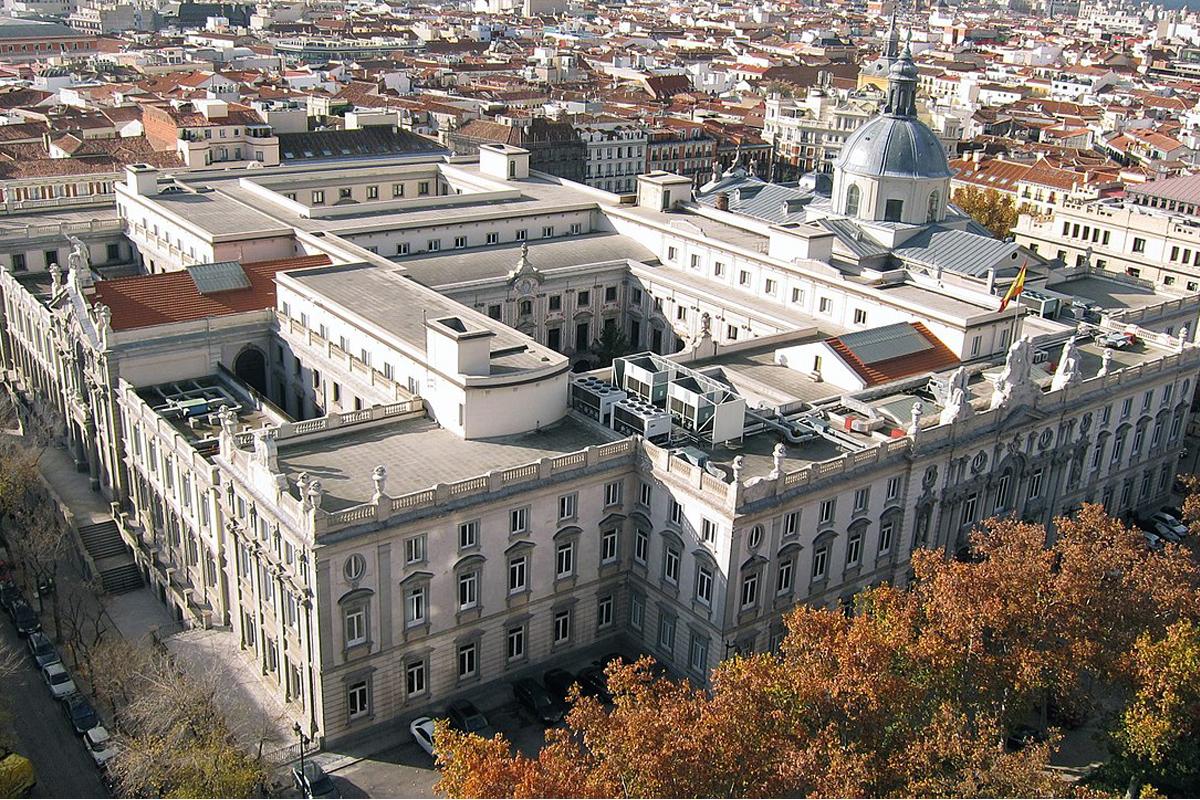 Sede del Tribunal Supremo en la plaza de la Villa de París (Madrid).