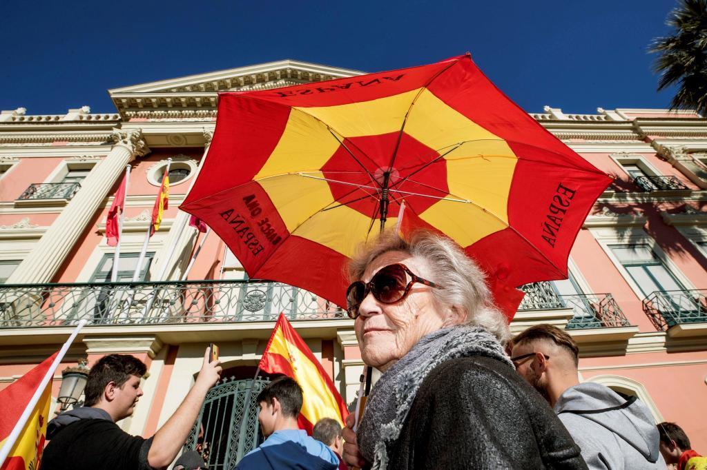 Concentración de Vox ante el Ayuntamiento de Murcia