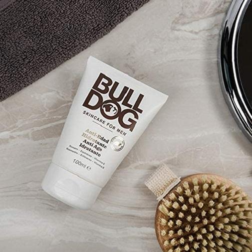Regalos para el Día del Padre: Crema hidratante antiedad de Bulldog en Amazon.