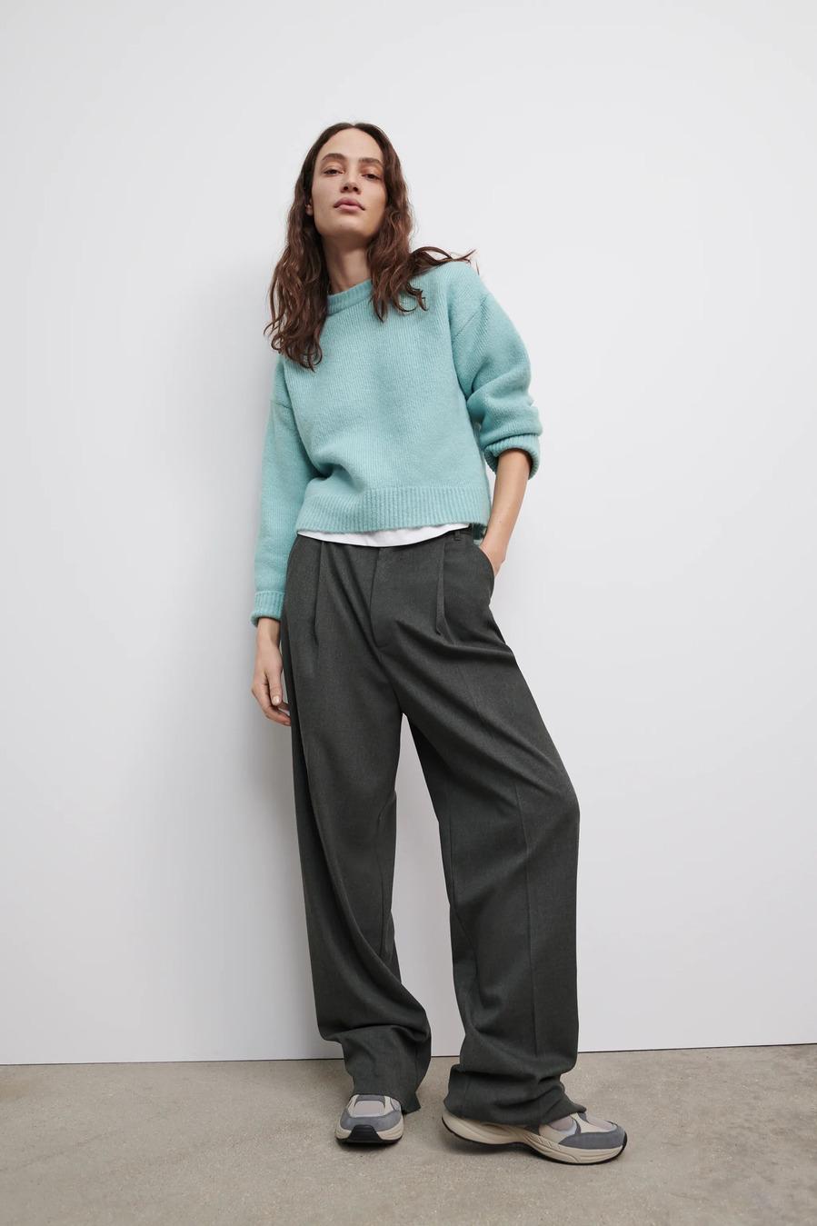 Pantalones anchos - Dúo ganador: pantalones de vestir + deportivas