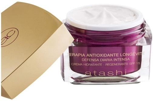Cremas antiedad antioxidantes que hidratan mucho: crema hidratante regenerante con spf 15 de Atashi.