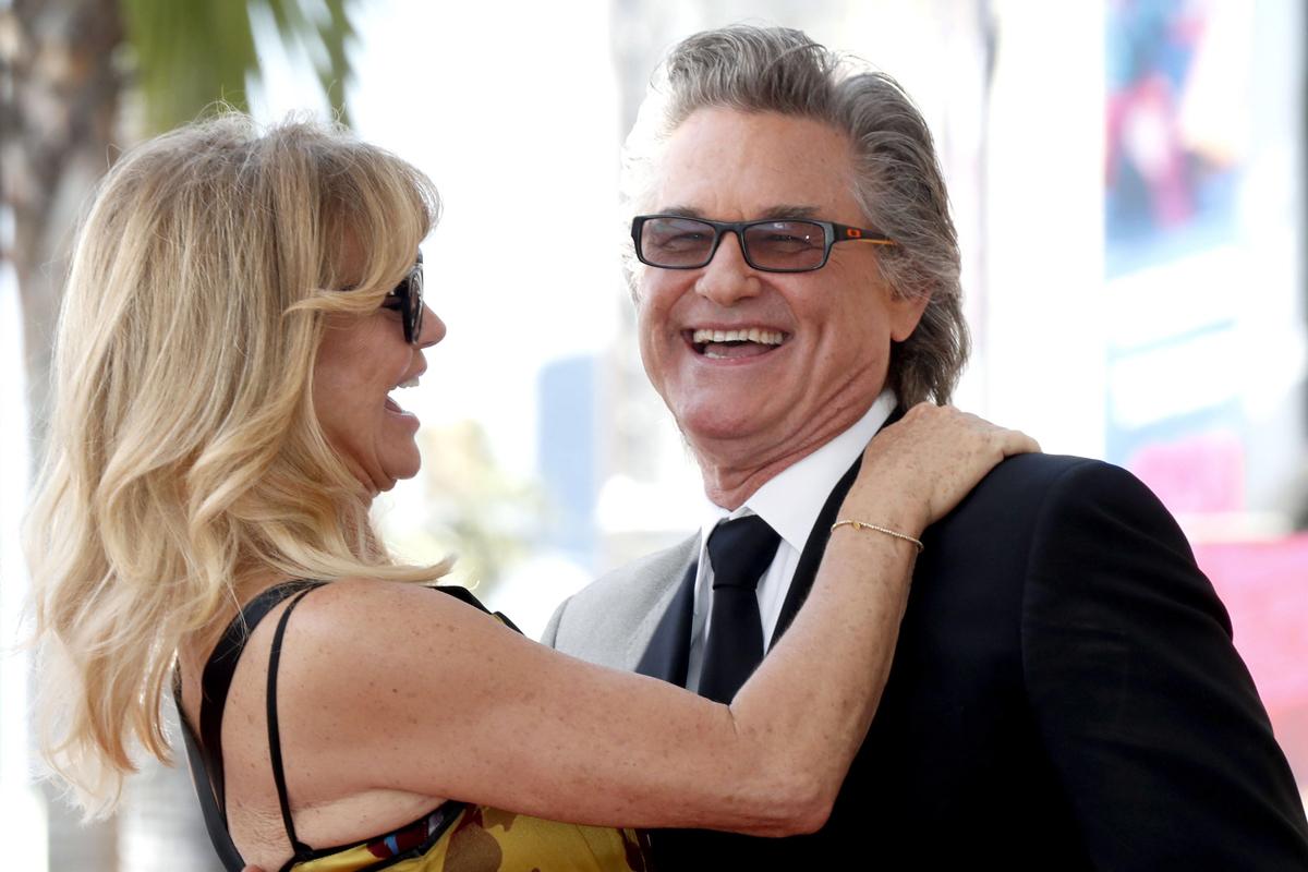 Kurt Russell y su pareja, la también actriz Goldie Hawn, en 2017.