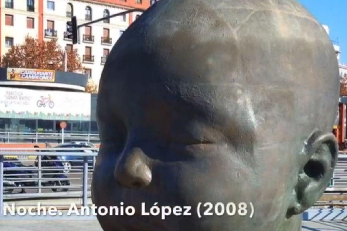 Una de las esculturas de Día y Noche, de Antonio López.