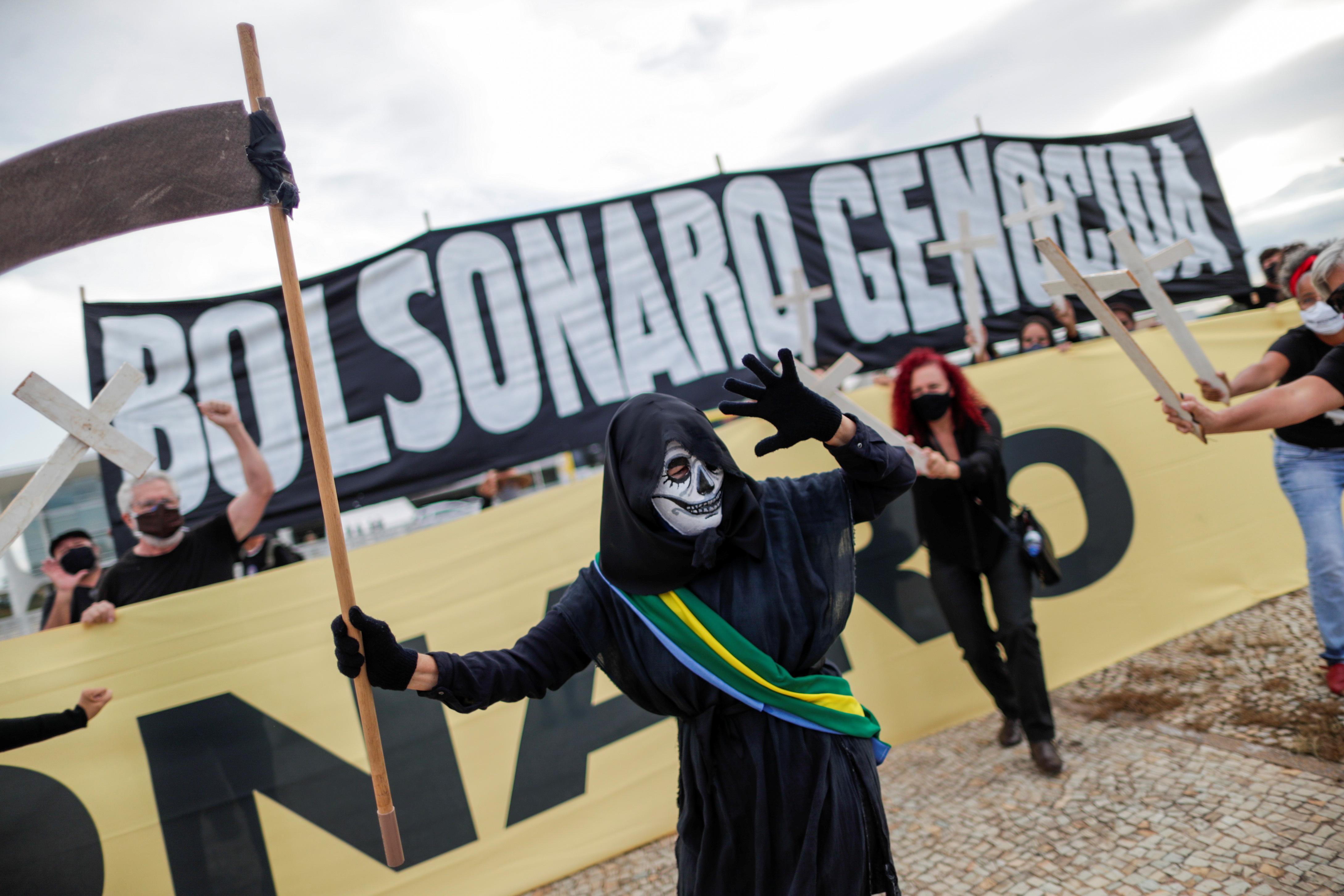 Protesta contra la gestión de Bolsonaro, en Brasilia.