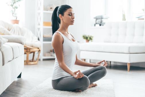 Tipos de yoga beneficios relajar meditar adelgazar ejercicio